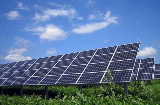 太陽光発電システムの寿命は20年間持つのか?について
